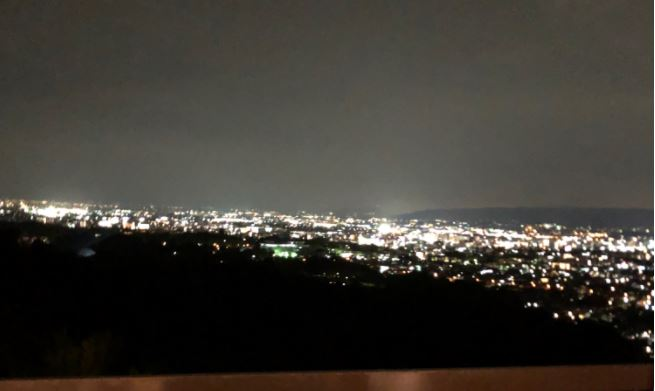 夜の奈良の遠景