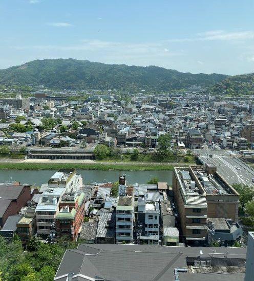 京都の鴨川やら東山やらを一望